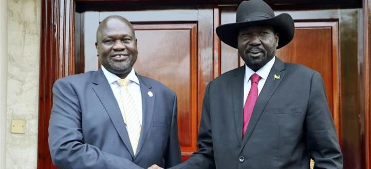 President Salva Kiir (R) and opposition leader Riek Machar (L) [File: Sam Mednick/AP]