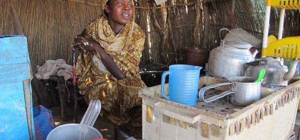 File photo: A woman selling tea in the village of Goli in northern Abyei (Enough Project / Amanda Hsiao)